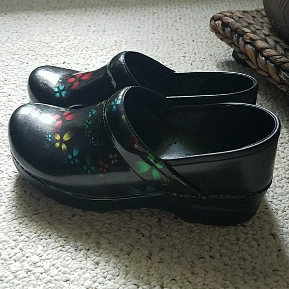 d178ab1a116 Dansko Shoes - Dansko black patent leather clogs size 38